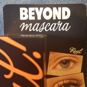 Benefit Cosmetics - Beyond Mascara - 0.3 Oz